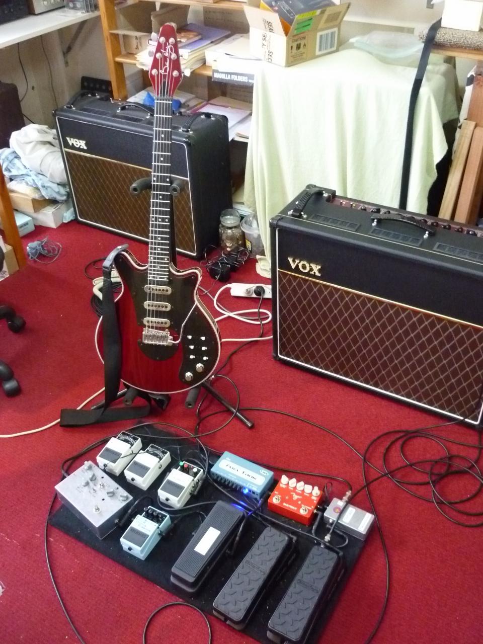 wwry australia guitar rig 2016 fryer guitars. Black Bedroom Furniture Sets. Home Design Ideas