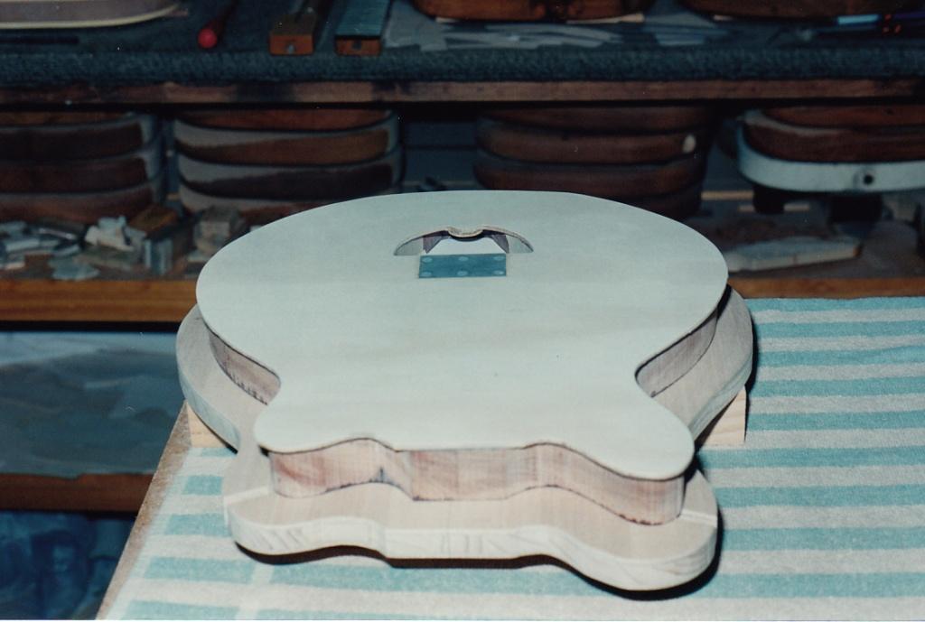 George before New Guinea Rosewood veneer glued on top plywood face